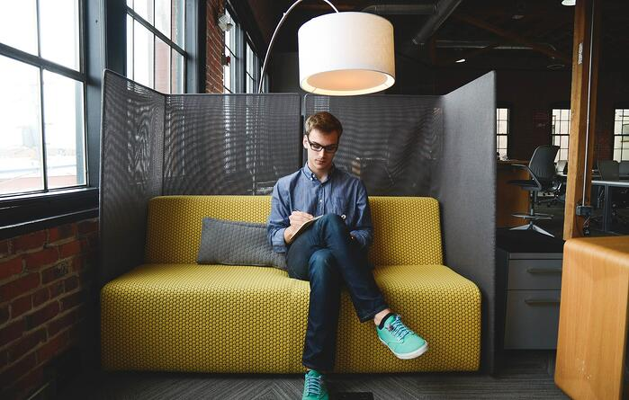 Junge Mitarbeiter wünschen sich mehr Selbstverwirklichung am Arbeitsplatz